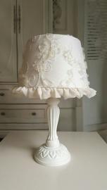 By Selina, tafellampje romantic ivory