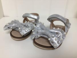Florens, zilveren sandalen met strik