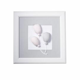 Caramella, grijs schilderij met ballonen