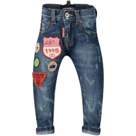 Dsquared2, spijkerbroek met emblemen