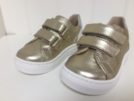 Florens, gouden sneakers