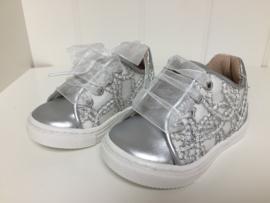 Florens, zilveren sneakers