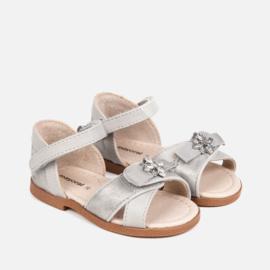 Mayoral, zilveren sandaaltjes