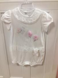 Aletta, wit zomerpakje met roze vlinders