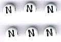Letter porselein N per stuk