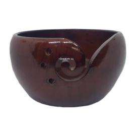 Scheepjes Yarn bowl dennenhout mahonie