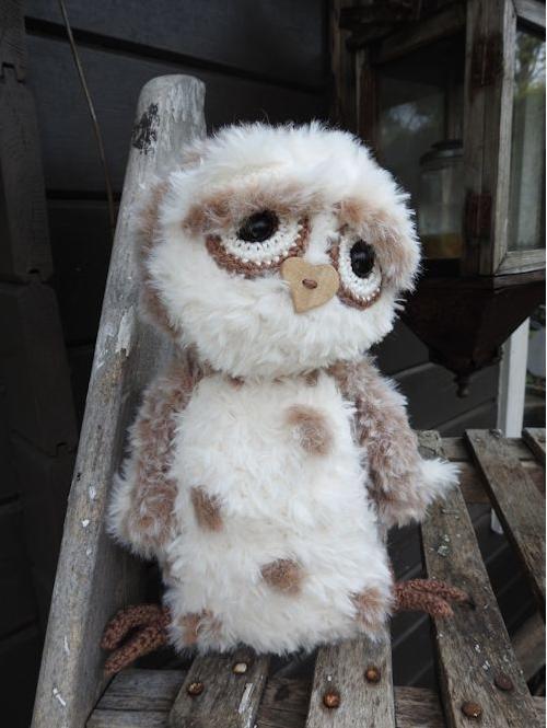 Funny Furry Owl Soft lichtbruin