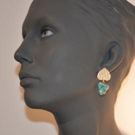 Turquoise brokjes