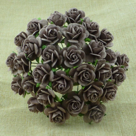 Walnut Open Roses - 10 mm