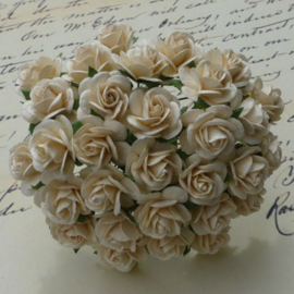 Deep Ivory Open Roses - 10 mm