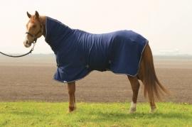 fleece deken met vaste hals