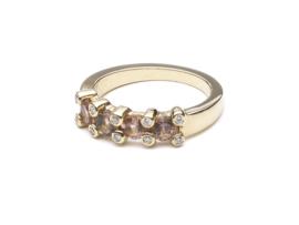 Ring 18 krt geelgoud met toermalijn en diamant