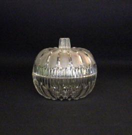 Glazen bonbonnière / dekselpot in de vorm van een pompoen