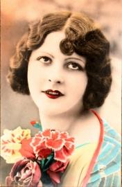 Vintage Franse RPPC getinte briefkaart / postcard / ansichtcard, Ela 2911,  Vrouw met bloemstuk, ca. 1910