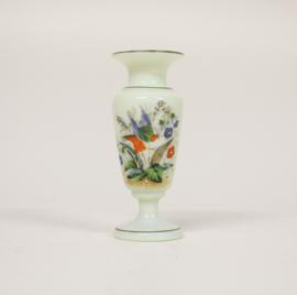 Victoriaanse Uranium vaas met floraal decor