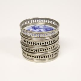 4 Vintage onderzetters met blauw wit keramiek decor