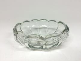 Vintage ronde glazen schaal ster geslepen - fruitschaal