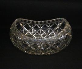 Grote schuitvormige  Boheemse schaal van loodkristal