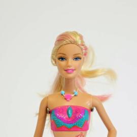 Barbie met badpak en tattoo
