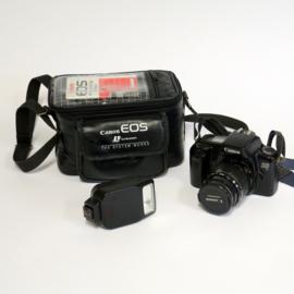 Canon EOS 1000 F met toebehoren