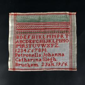 Merklap - Schoolletterlap uit 1956 - Rood / groen katoen
