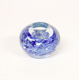 Vintage blauw bolvaasje van glas