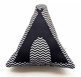 Tipi kussen in zwart- wit