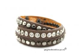 Armband diverse studs bruin