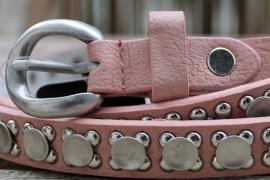 Leren riem met studs roze smal