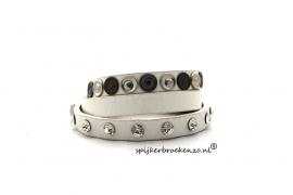 Armband diverse studs wit