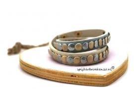 Leren armband studs beige-blauw
