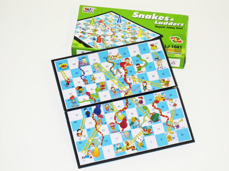 4440 - Snake en Ladders