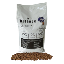 Dog Lovers Gold   In Balance - Cold Pressed   13 KG - NIEUW !!!