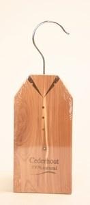motten bestrijden met cederhout