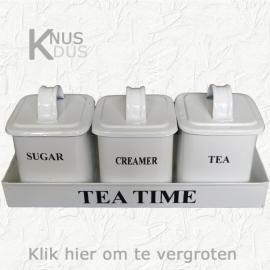 Rek met 3 blikjes voor theetijd (in 3 kleuren)