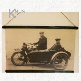 Wandkaart oude foto 'motor met zijspan' - van Kolony