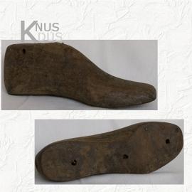 Oude schoenenmal