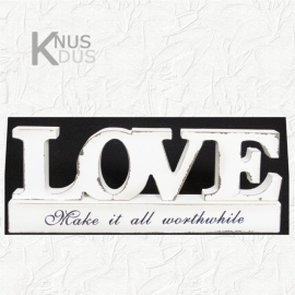 Houten tekst `Love`