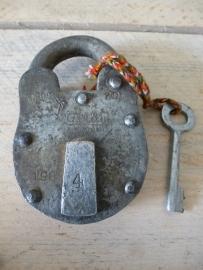 IJzeren slot met sleutel XL
