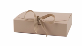 Giftbox Beige  - M -  Karton - (KD)