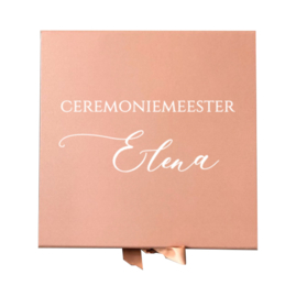 GIFTBOX - CEREMONIEMEESTER + NAAM  -