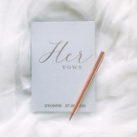 Gelofte Boekje 'Her Vows' Classy Linnen Gepersonaliseerd