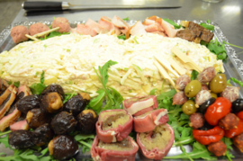 Waldorf salade, rijkelijk gegarneerd, prijs per persoon