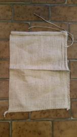 Jute zakken / jutezak / nieuw klein / 30 x 40 cm – met koord - 275 gram/m2 doek / per 5 stuks