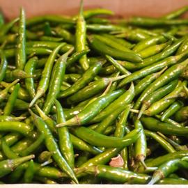 Rawit groen / kleine pepertjes / mini pepers / extra  heet / Kenia / 100gram (ca 15-20 stuks)