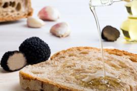 Truffel olie   olie met witte truffel aroma / flesje 40ml / t.h.t. 28-09-2020