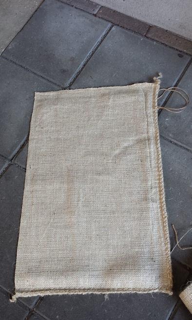 Jute zakken / jutezak / nieuw middelgroot / 40 x 60 cm – met koord - 275 gram/m2 doek / per 5 stuks