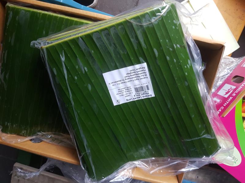 Bananenblad lang / Pisangblad Long / langwerpig en gevouwen / Thailand DOOS 4X 500GRAM
