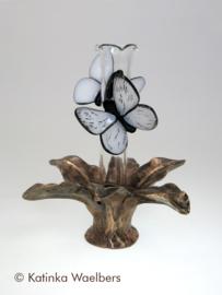 Beelden: glaskunst met brons
