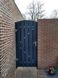 Getoogde deur en tuinhek in anthraciet